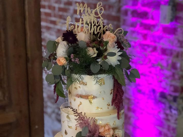 Tmx 43378985 10155556081542294 6087588363613765632 O 51 406448 Richmond wedding cake