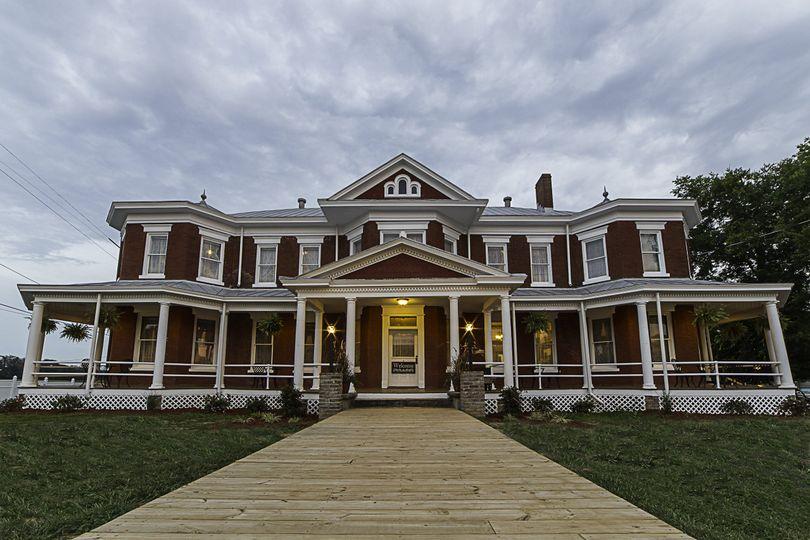 84898c3ee761d912 Grand Victorian Inn
