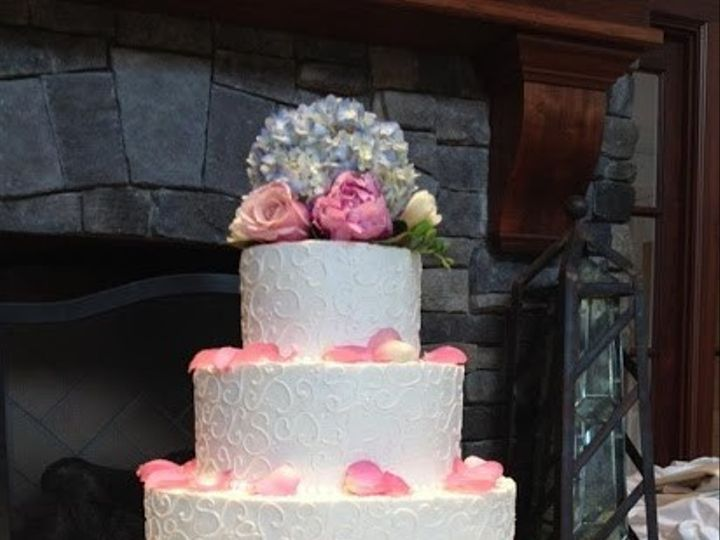 Tmx 1372698121571 Winsteadwht On Wht Scroll Raleigh wedding cake