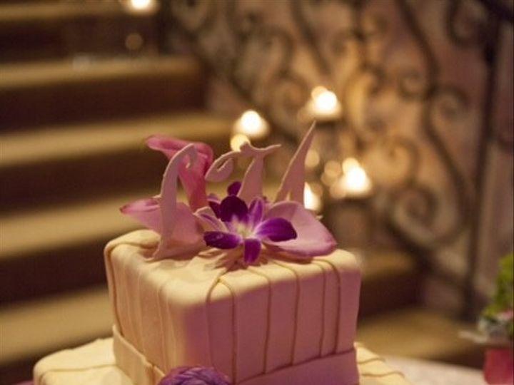 Tmx 1420684395229 44172470408 Raleigh wedding cake