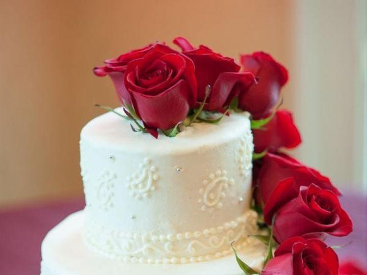 Tmx 1449705438267 Dutchertrudeaustephaniespencerphotographydsc70940l Raleigh wedding cake