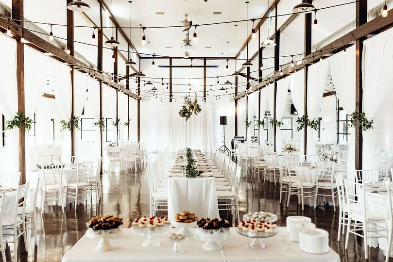 light airy tulsa white barn wedding venue with a view 36 51 977548 159682987384525
