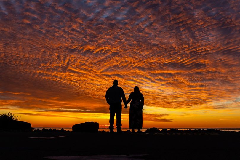 Couples love silhouettes!