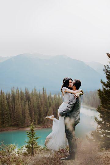 Wedding couple in banff