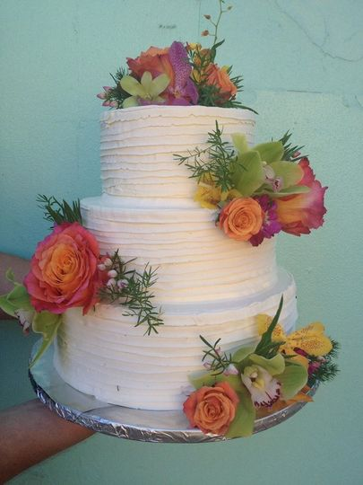Cake with beautiful flower details