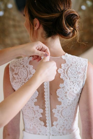 Back lace detailing
