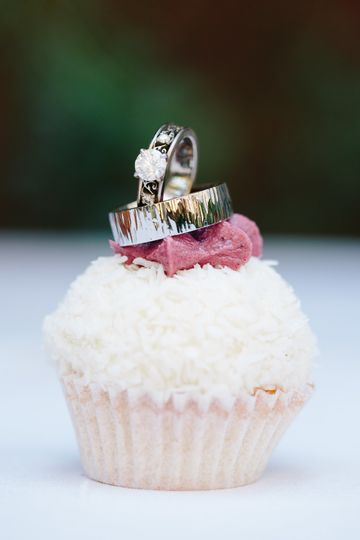 Buttercup Cakes & Farm House Frosting