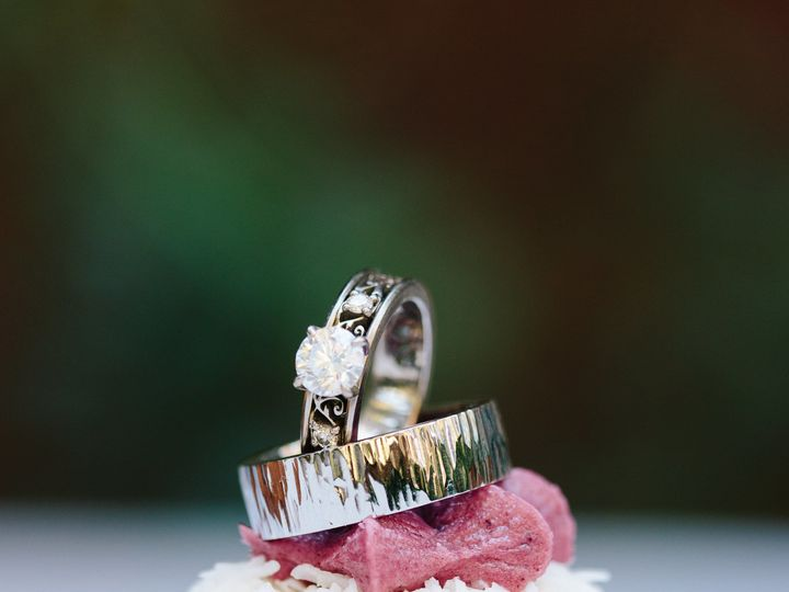 Tmx 1519426065 53e59aa79a3e5b6c 1519426063 Fa5ec29ad7fdee91 1519426061599 2 Cake Rings Santa Cruz wedding cake