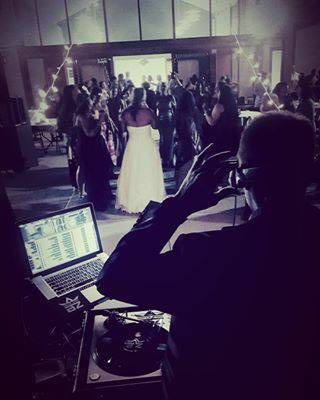 Bride and Groom gettin' down in Wilmington NC