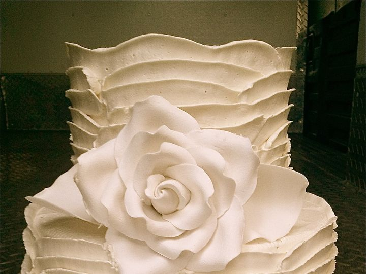 Tmx 1382491200137 Pfcd1 Monterey wedding cake