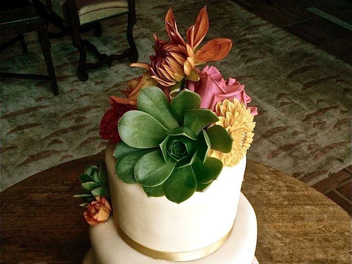 Tmx 1382491726957 Wp000122 Monterey wedding cake