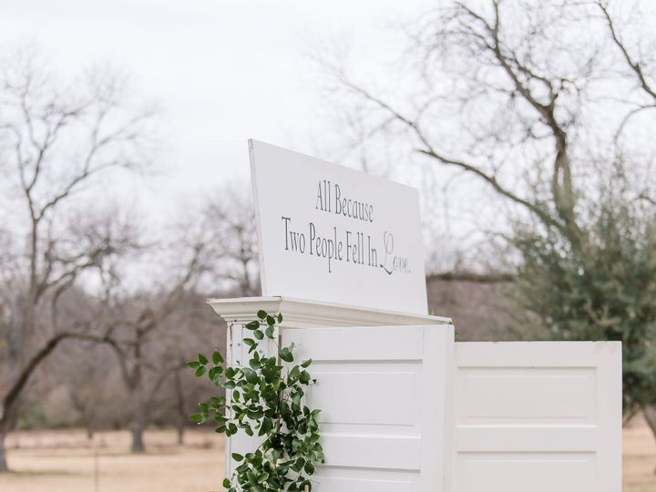 Tmx 264 Juliechris The Orchard Fort Worth Wedding Photographer Maggshots Photography 51 926648 161255232086294 Grapevine, TX wedding florist