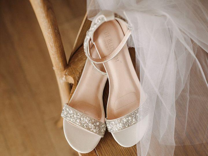 Tmx Brittanygilbertphotography Grand Ivory Wedding Photographer 5185 4136 1 51 926648 161255228147683 Grapevine, TX wedding florist