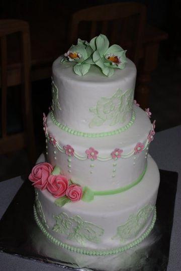 k l cakery wedding cake oregon city or weddingwire. Black Bedroom Furniture Sets. Home Design Ideas
