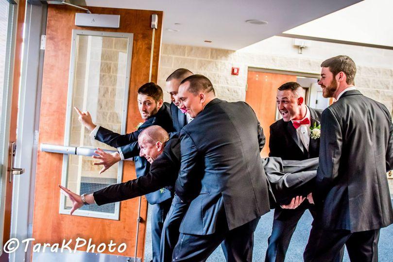 Goofy photo with the groomsmen