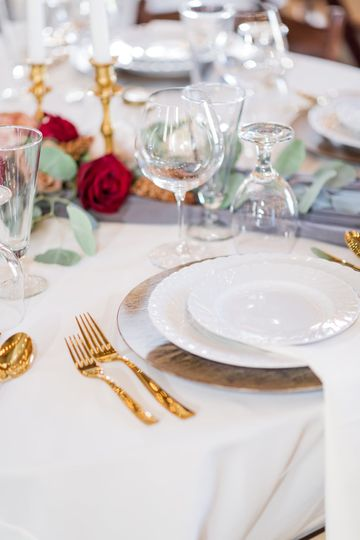 Wood & Gold Tableware