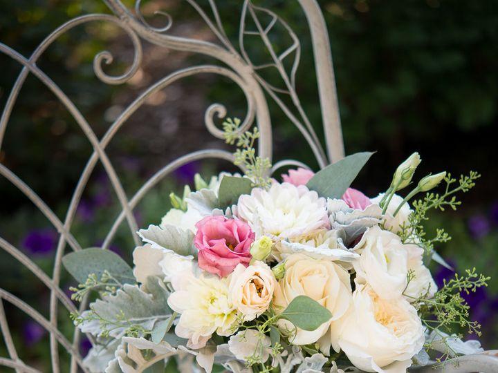 Tmx 1532517153 5efe27251174b275 1532517151 47b195d5788bcedc 1532517145034 5 Nathan Moreau Phot Gilford, NH wedding florist