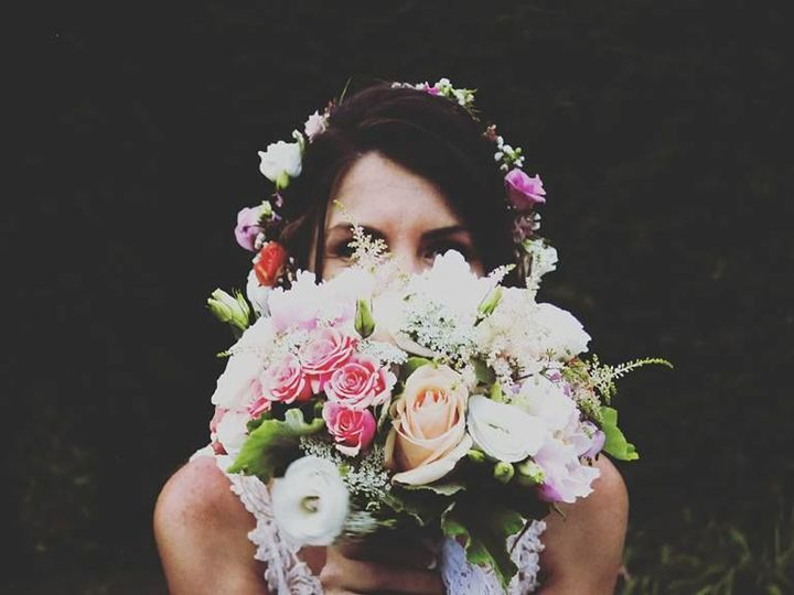 Tmx 1532517528 A9f41b7c561db668 1532517527 82a1e81886054ebd 1532517526034 9 13599943 127218682 Gilford, NH wedding florist