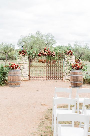 The Grande Hall at the Hofmann Ranch| Photography by Laura Alexandra