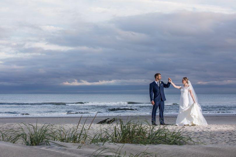 beach couple pic 51 2848