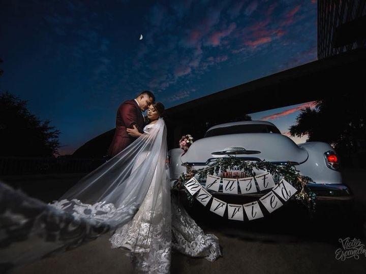Tmx 1513624411620 25395896101548106161568958569951161298470105n Bedford, Texas wedding transportation