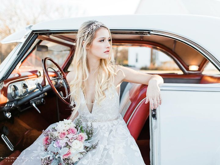 Tmx 1518660123 24f6e8610078d801 1518660121 F8a234c850f3bd95 1518660121012 1 IMG 0624 Bedford, Texas wedding transportation