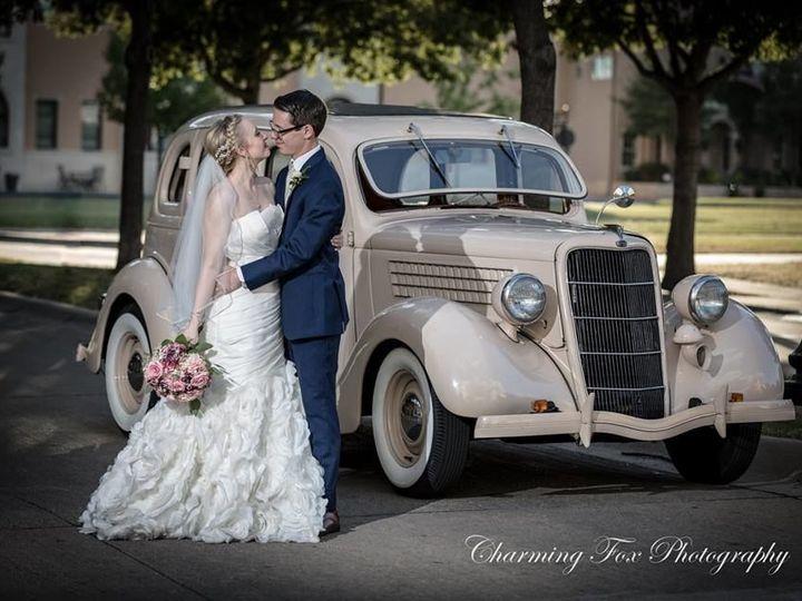 Tmx 1532441743 2e5b410e763165a3 1532441742 B60cd27eee1d8763 1532448930771 1 Charming Fox Bedford, Texas wedding transportation