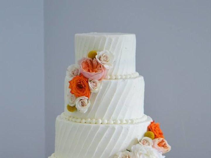 Tmx 1532343950 Ba8cb22a7ce8d72a 1532343949 E57ac411e288956b 1532343948637 4 Traceys Cake 5 Gloucester, VA wedding cake