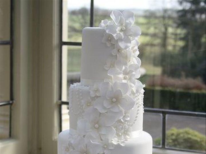 Tmx 1532344251 772ab2b71a49f7e1 1532344250 9324a7545b01be13 1532344250060 2 Wedding Cake 51 Gloucester, VA wedding cake