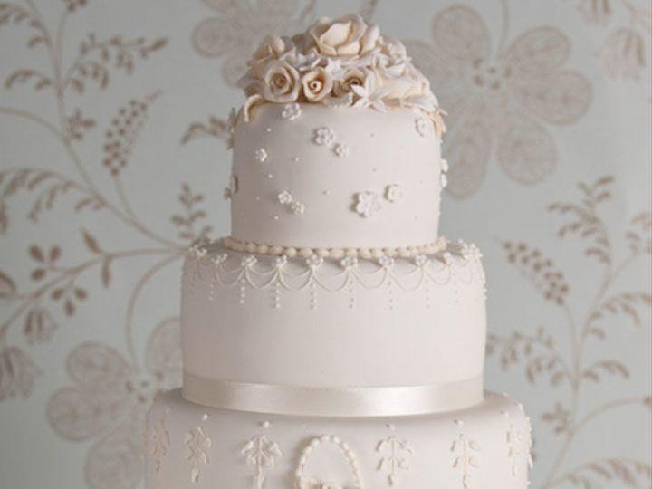 Tmx 1532344312 39b34d8b91b6eb2b 1532344311 97c00ee9f48e07db 1532344310714 6 Vintage Wedding Ca Gloucester, VA wedding cake