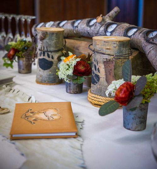 Guest books and aspen accents make this a lovely entrance