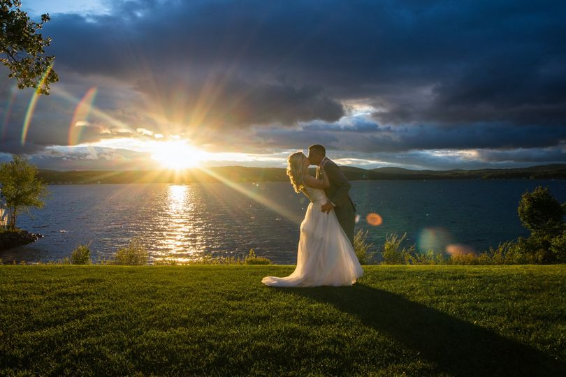 Couple kissing - Kiss the Bride Photography