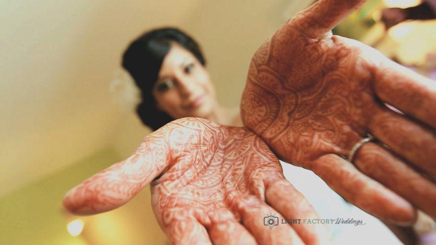 bride and hands mendhi
