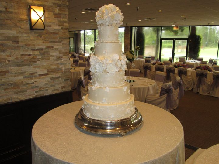 Tmx 1531421941 87408a2ceee6e9c0 1531421938 Aa481d469a89ef40 1531421930378 4 IMG 5444 Houston wedding cake