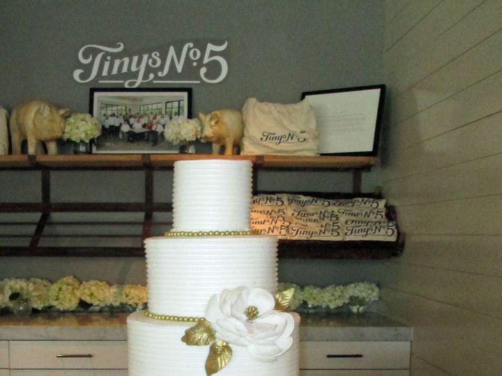 Tmx 1531422166 240110bbcce66bbb 1531422162 416934f4f0658f91 1531422141068 3 IMG 5321 Houston wedding cake