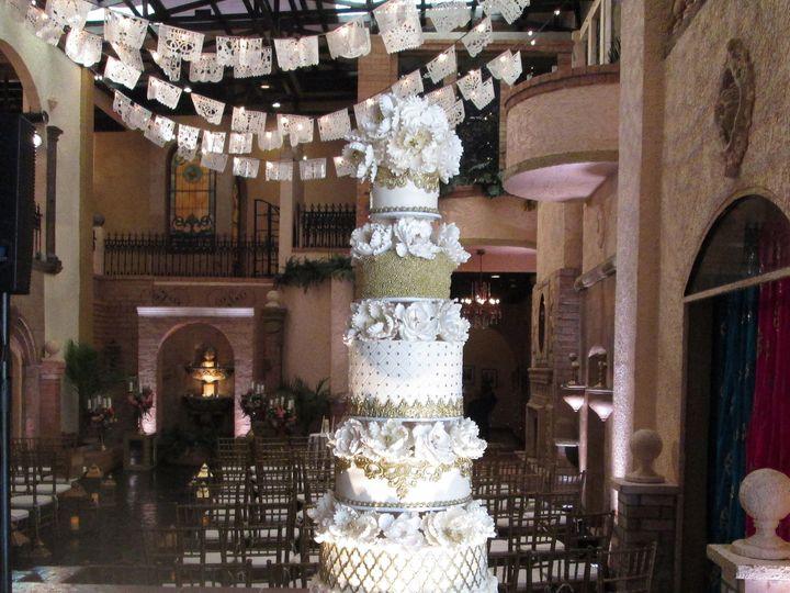 Tmx 1531422166 Ab64a46eb5c4d783 1531422162 824047fd75253b57 1531422141065 2 IMG 5300b Houston wedding cake