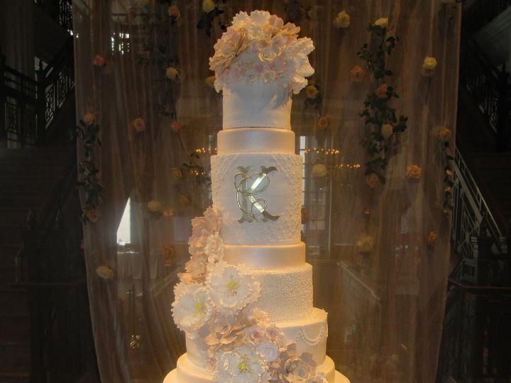 Tmx 1531422836 0b3118a9b2d52057 1531422834 Bd44739fbbf96a56 1531422826723 6 IMG 5159b Houston wedding cake