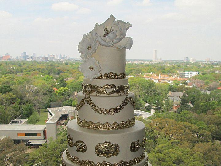 Tmx 1531422867 5212a3667eff0c0b 1531422863 B94a65078cffa634 1531422845091 9 AIMG 4021 Houston wedding cake
