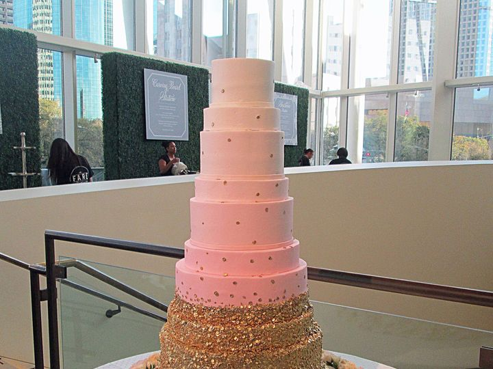 Tmx 1531422867 8b7b68049ebdb02b 1531422863 F12d1cb2b3c38af4 1531422845090 8 AIMG 2949 Houston wedding cake
