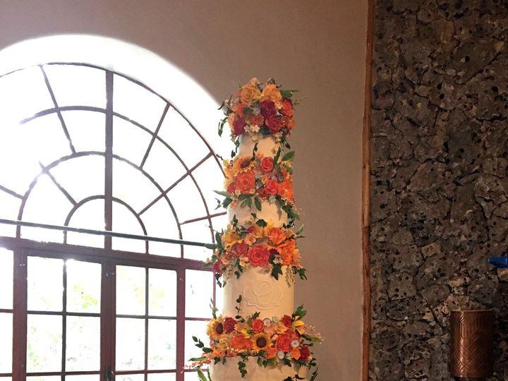 Tmx 1531423338 3a752995bfb02437 1531423334 0b3fb3c16bda9e4d 1531423301760 6 IMG 0663 Houston wedding cake