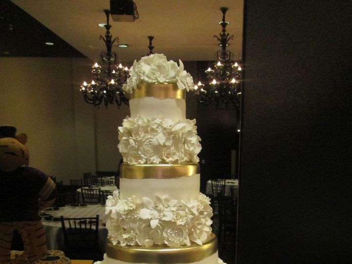 Tmx 1531423338 846e6ccf257c55b4 1531423334 9d641b985651e2a1 1531423301764 9 IMG 4061 Houston wedding cake