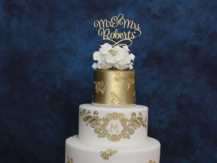 Tmx 1531423951 6e01978dfeee0f07 1531423946 8a9f4eeda4fb45b7 1531423926107 4 1IMG 1013 Houston wedding cake