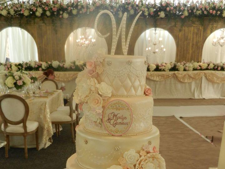 Tmx 1531424050 403d3f6d7aa47d51 1531424047 00046ccb9f5e09a8 1531424036361 8 1DSCN5864 Houston wedding cake