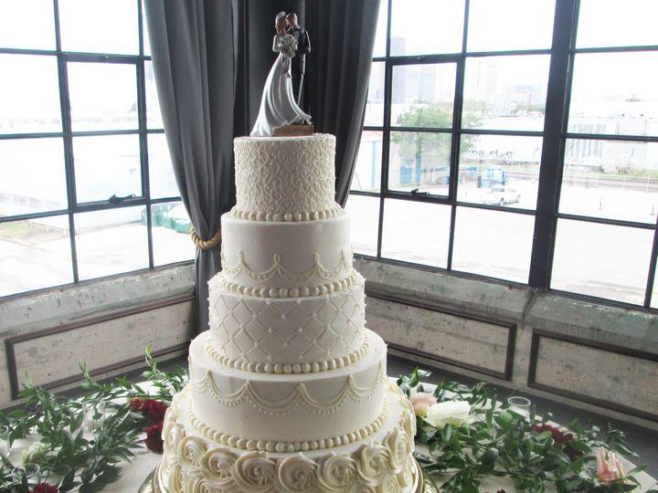 Tmx Img 5790 51 15948 Houston wedding cake