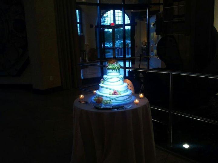 Wedding cake spotlight