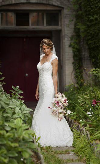 bridal portrait stargazer lily bouquet beautiful j