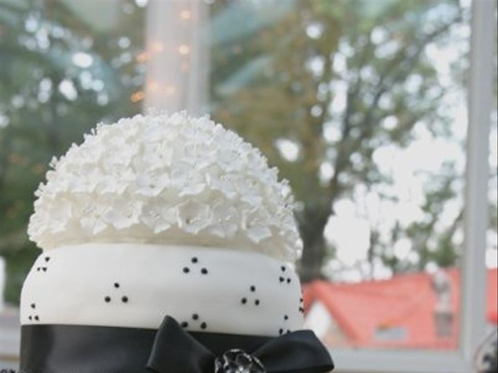 Tmx 1259898248812 Webphoto265 Linden wedding cake