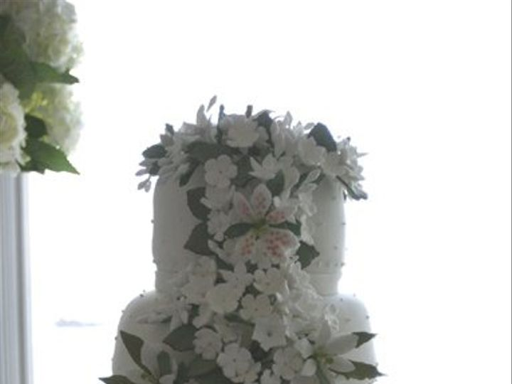 Tmx 1259898683953 Webphoto196 Linden wedding cake