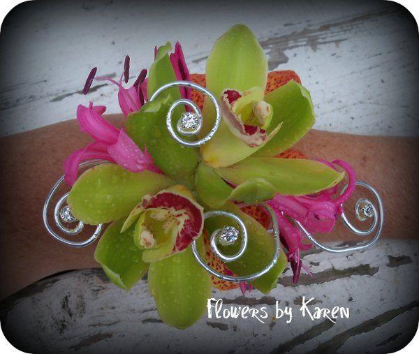 Tmx 1302186168482 SunnysBridesmaidswristcorsages Monroe wedding florist