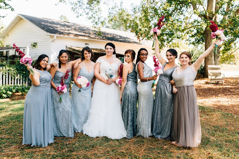 67e0e4dfb7543e5d 1508732740653 bridalparty15of97
